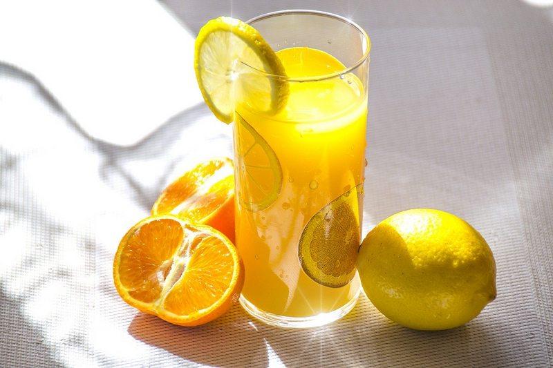 zdrowy sok z owoców